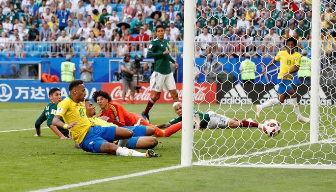 Neymar tuyên bố sung sức sau khi giúp Brazil hất văng Mexico - Ảnh 3.