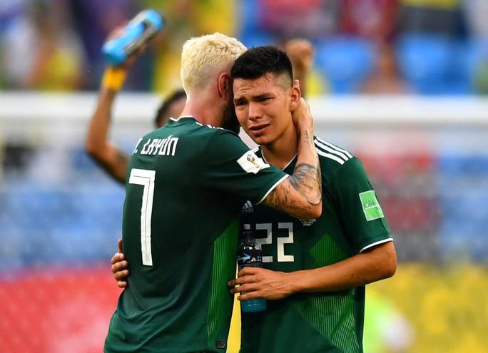 Brazil - Mexico 2-0: CĐV 2 đội đều khóc - Ảnh 2.