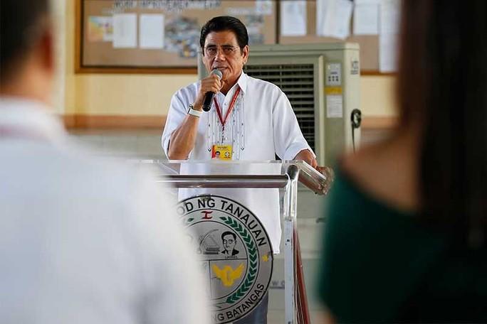 Ông Duterte nói thị trưởng Philippines bị bắn chết là đáng  - Ảnh 2.