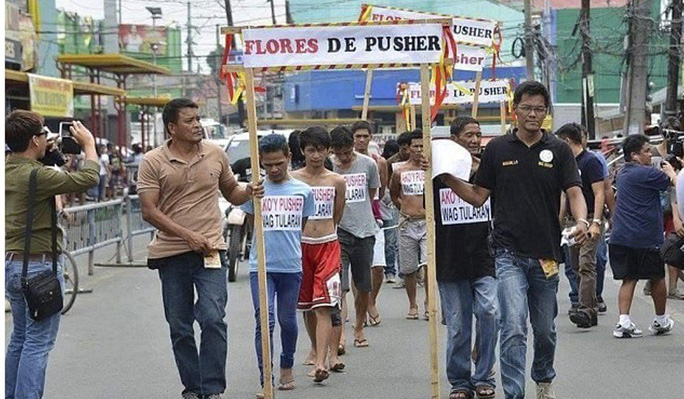 Kẻ bắn chết thị trưởng Philippines không phải người thường  - Ảnh 2.
