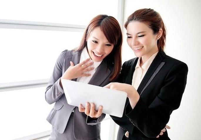 Bí quyết giúp bạn luôn được lòng sếp và đồng nghiệp - Ảnh 1.