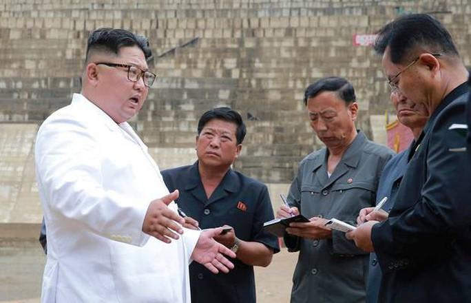 Triều Tiên thấm đòn trừng phạt kinh tế - Ảnh 1.