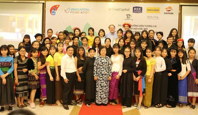 Ngày hội mở đường đến tương lai cho 50 nữ sinh dân tộc thiểu số - Ảnh 4.