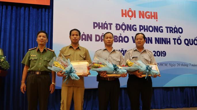 Báo Người Lao Động phát động phong trào Toàn dân bảo vệ an ninh Tổ quốc - Ảnh 4.