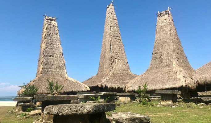 Đằng sau tín ngưỡng sống chung với người chết của đảo Sumba - Ảnh 4.