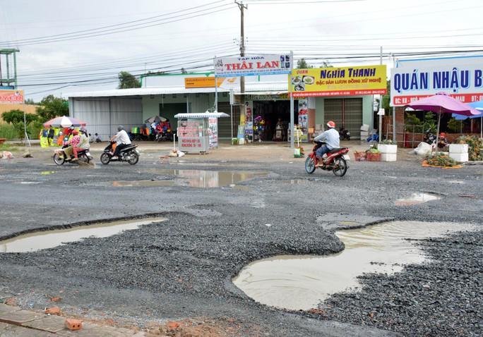 Dân TP Cà Mau kêu cứu vì đường xuống cấp nghiêm trọng - Ảnh 12.