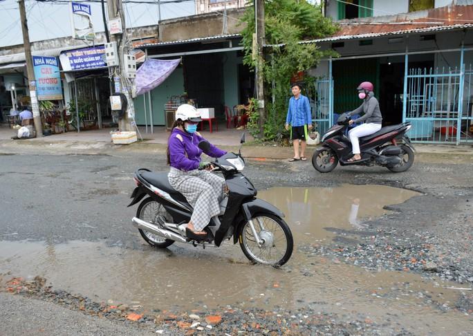 Dân TP Cà Mau kêu cứu vì đường xuống cấp nghiêm trọng - Ảnh 4.
