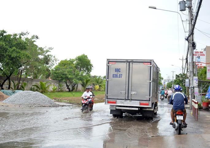 Dân TP Cà Mau kêu cứu vì đường xuống cấp nghiêm trọng - Ảnh 6.