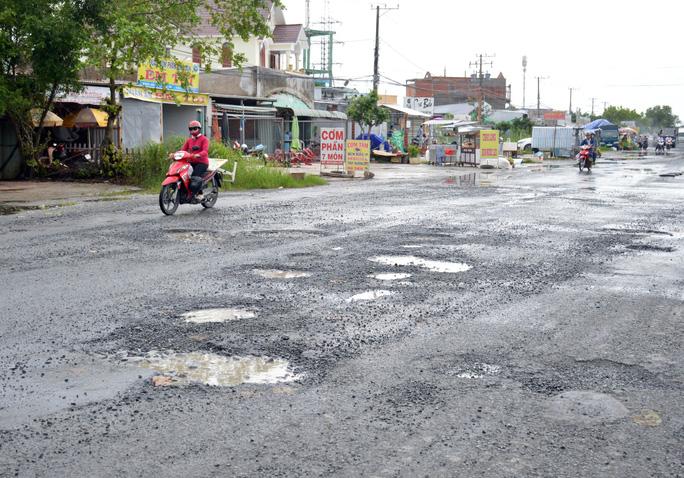 Dân TP Cà Mau kêu cứu vì đường xuống cấp nghiêm trọng - Ảnh 7.