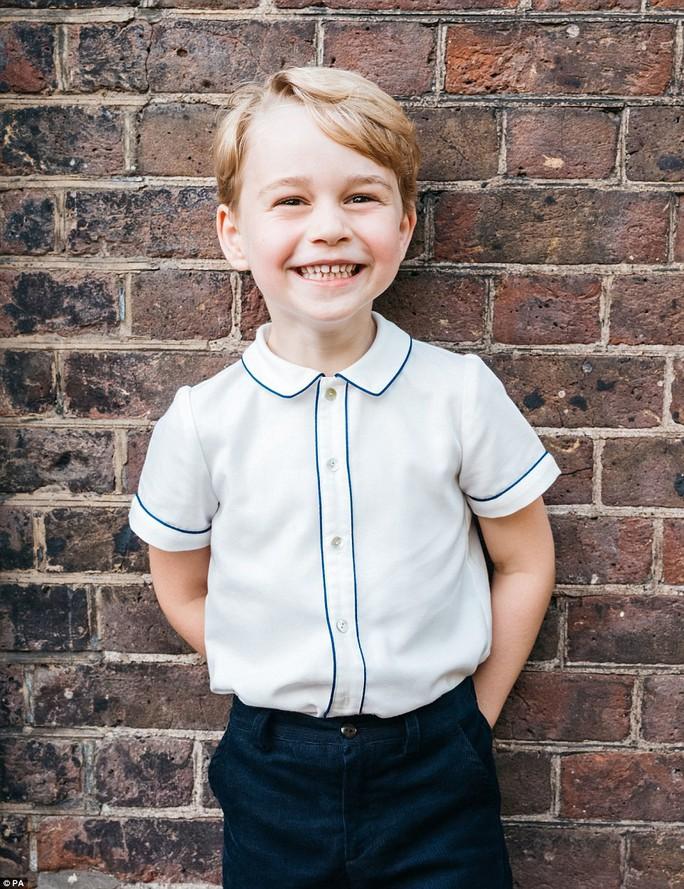 Hoàng tử bé George đón sinh nhật ở Caribe - Ảnh 1.