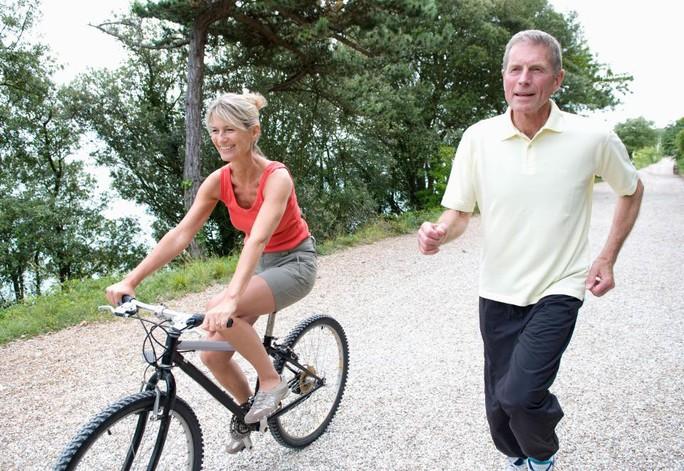 Giảm nguy cơ đau tim nhờ vài giờ...đạp xe - Ảnh 1.