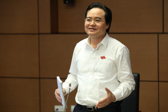 Về vụ gian lận điểm thi, Bộ trưởng Phùng Xuân Nhạ: Quy trình, kỹ thuật chấm thi ngày càng hoàn thiện - Ảnh 1.