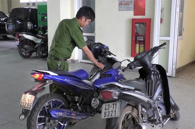 Thuê xe máy rồi dàn cảnh cướp tài sản của các tài xế GrabBike - Ảnh 2.