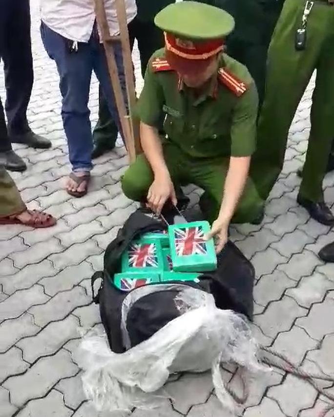 Lãnh đạo Thép Việt lên tiếng vụ lô hàng 100 bánh cocain trị giá 800 tỉ đồng bị bắt giữ - Ảnh 2.