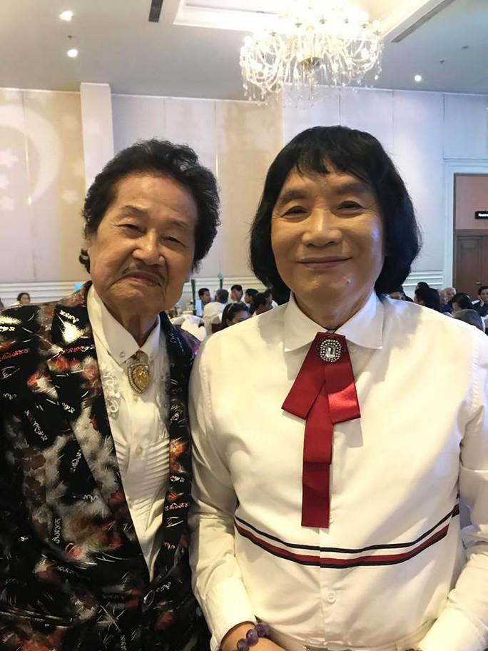 Đám cưới đầy nước mắt của con trai cố NSƯT Thanh Sang - Ảnh 9.