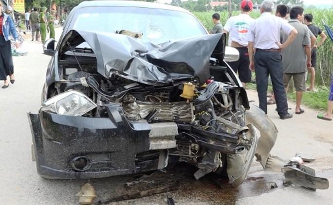 Ô tô và xe máy tông trực diện, 2 vợ chồng tử vong - Ảnh 1.