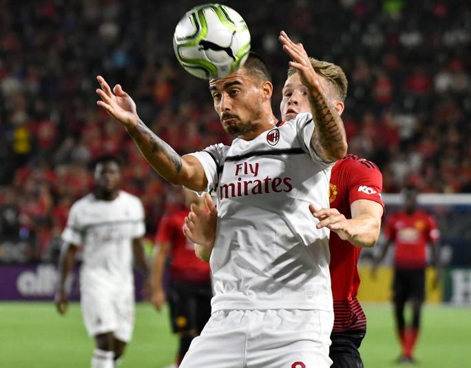 Kịch tính loạt sút luân lưu 11m giúp M.U thắng AC Milan - Ảnh 1.
