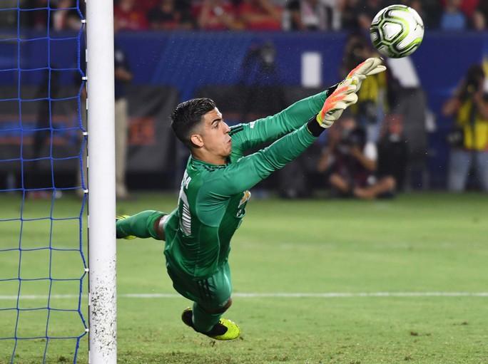 Kịch tính loạt sút luân lưu 11m giúp M.U thắng AC Milan - Ảnh 6.