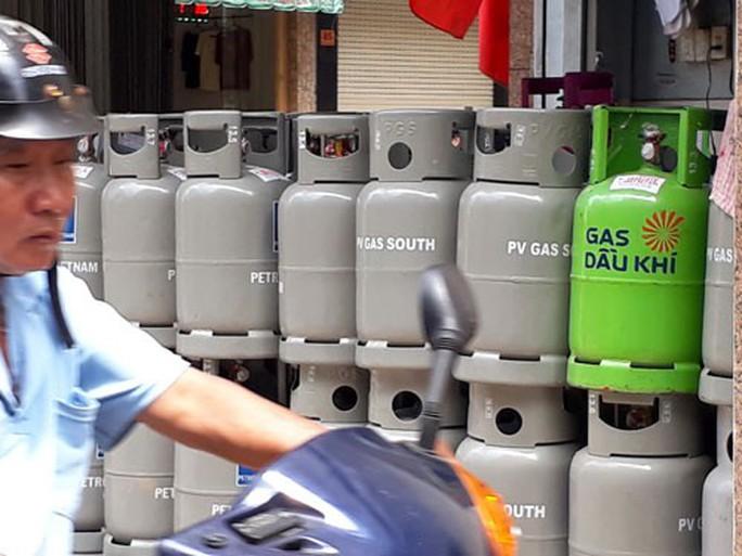 Cửa hàng gas kêu trời - Ảnh 1.