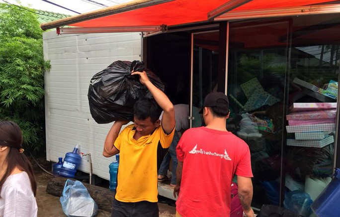 Người Việt ở Lào đang tìm về Attapeu chia sẻ khó khăn - Ảnh 6.