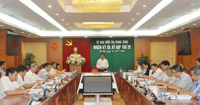 Ủy ban Kiểm tra TW đề nghị Bộ Chính trị kỷ luật 1 thứ trưởng, 1 cựu thứ trưởng Bộ Công an - Ảnh 1.
