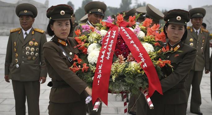 Giới chức Triều Tiên khó chịu vì bánh ít đi, bánh quy chưa lại - Ảnh 1.