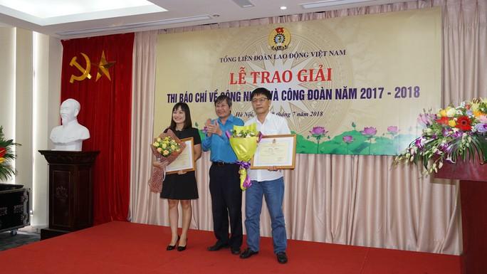 Báo Người Lao Động đoạt 2 giải báo chí viết về công nhân và Công đoàn - Ảnh 2.