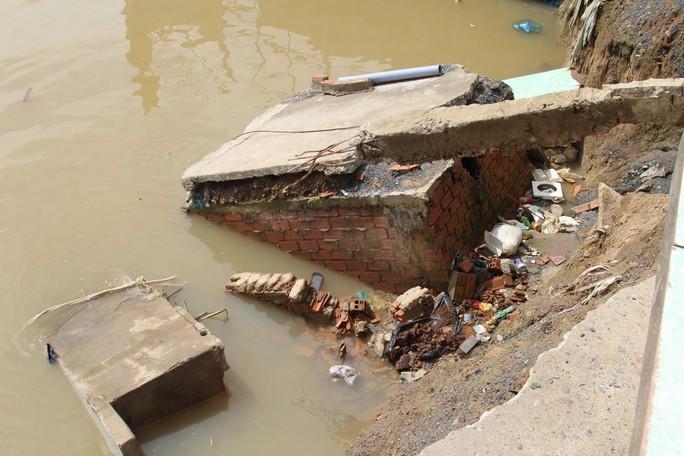 Chưa hết hạn bảo hành, kè tiền tỉ trôi xuống sông Đồng Nai - Ảnh 8.