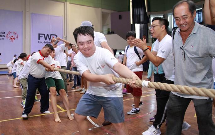 Special Olympics hỗ trợ người thiểu năng trí tuệ - Ảnh 1.
