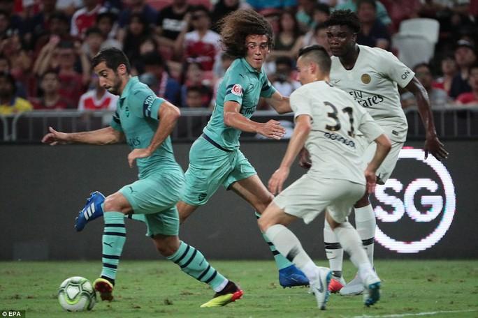 Mesut Ozil tỏa sáng, Arsenal đè bẹp PSG - Ảnh 4.