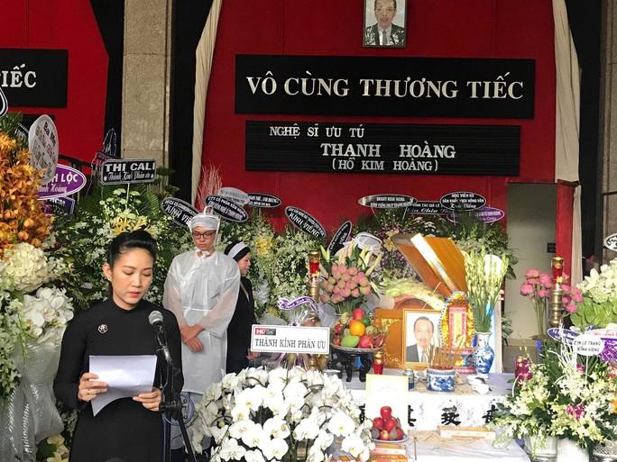 Nghệ sĩ nghẹn ngào tiễn biệt NSƯT Thanh Hoàng - Ảnh 1.