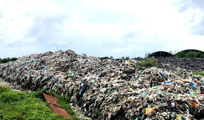 Nhà máy xử lý rác lớn nhất ĐBSCL ngưng hoạt động 3 tháng - Ảnh 2.
