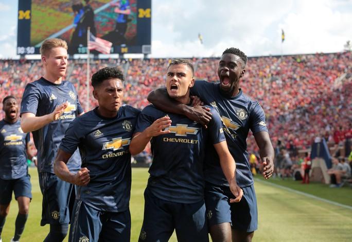 Hàng thủ tệ hại, Man United đại bại trước Liverpool - Ảnh 2.