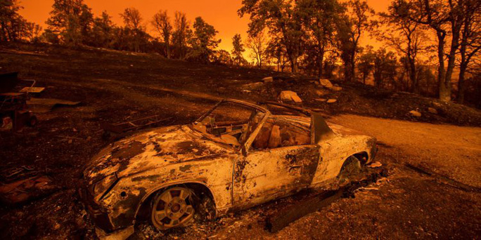 Cháy khách sạn, 5 đứa bé cùng một nhà thiệt mạng - Ảnh 1.