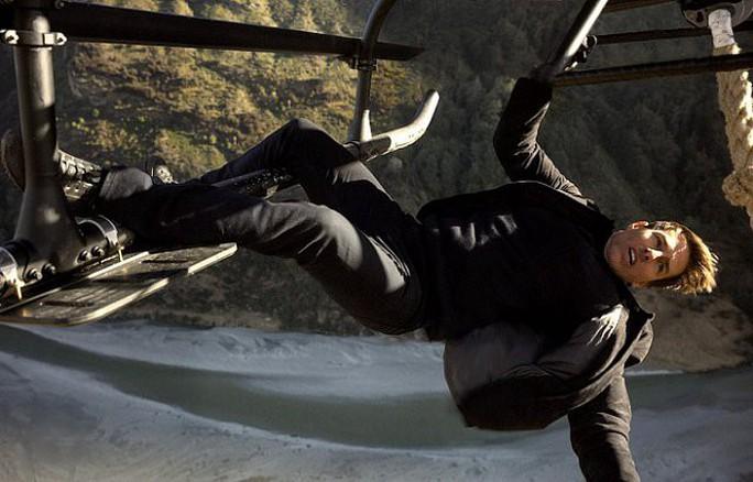 Tom Cruise dốc sức trong Nhiệm vụ bất khả thi 6 - Ảnh 2.