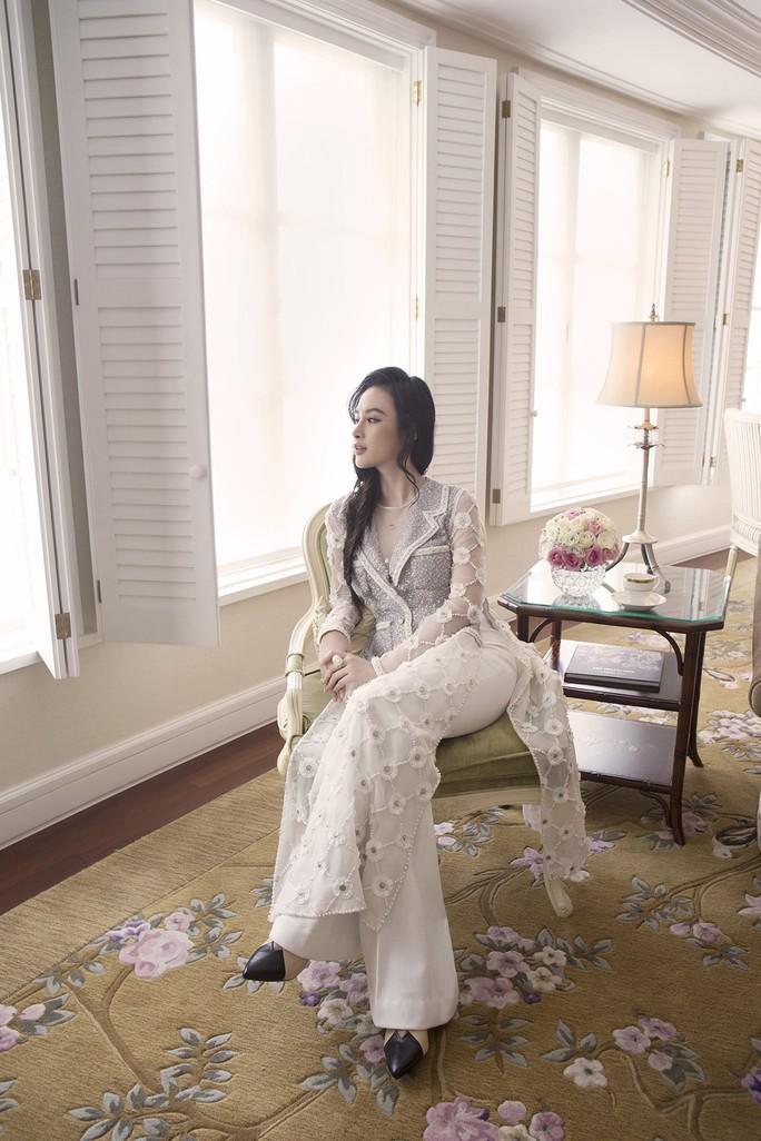 Không khoe thân, Angela Phương Trinh vẫn cực đẹp - Ảnh 9.