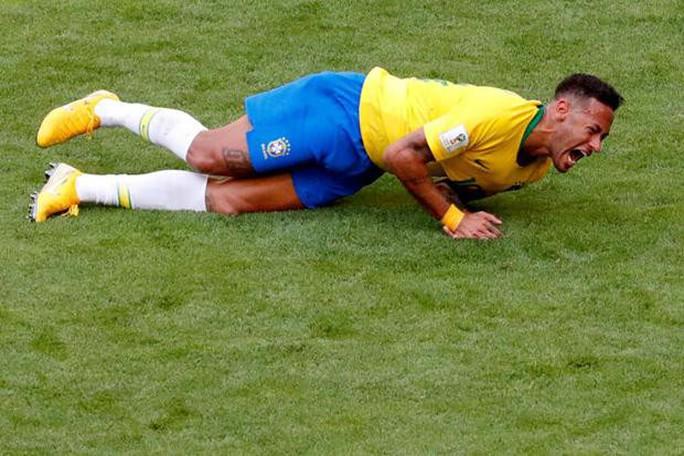 """Neymar thừa nhận """"phản ứng thái quá"""" khi bị phạm lỗi - Ảnh 1."""
