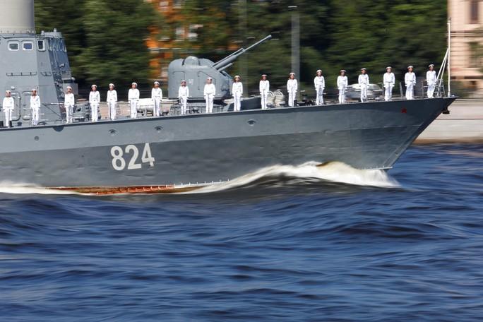 Khoe sức mạnh, Hải quân Nga vẫn có vấn đề? - Ảnh 7.