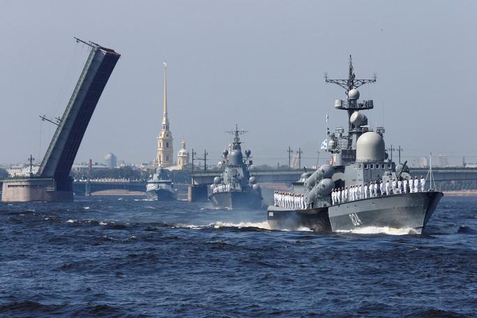 Khoe sức mạnh, Hải quân Nga vẫn có vấn đề? - Ảnh 2.