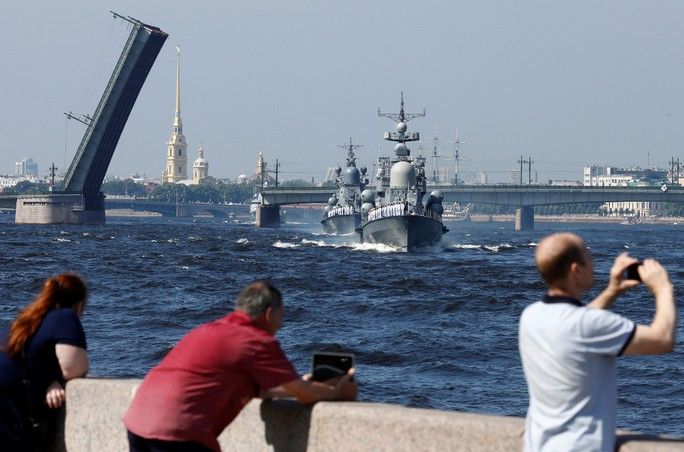 Khoe sức mạnh, Hải quân Nga vẫn có vấn đề? - Ảnh 3.