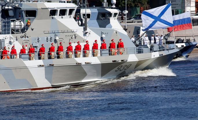 Khoe sức mạnh, Hải quân Nga vẫn có vấn đề? - Ảnh 5.