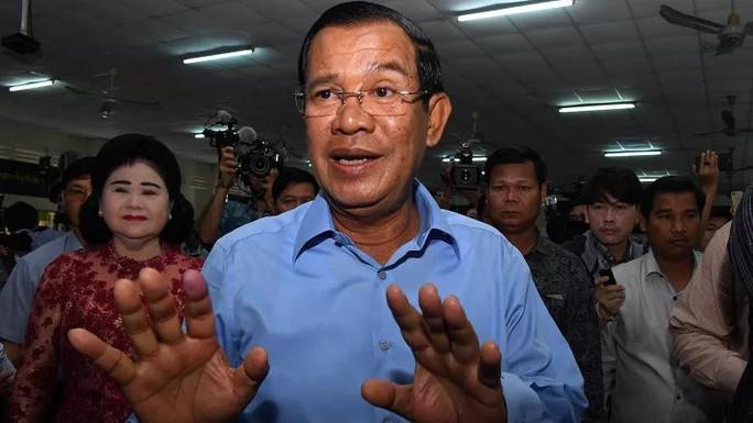 Đảng của Thủ tướng Hun Sen tuyên bố giành tất cả 125 ghế quốc hội - Ảnh 1.