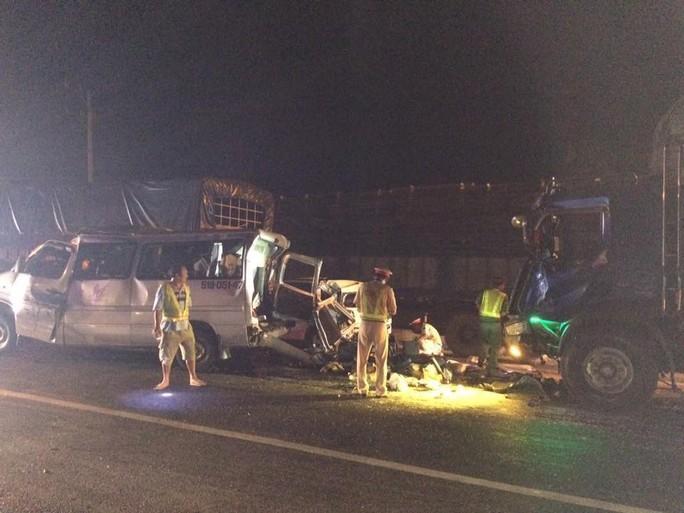 Thêm 1 vụ tai nạn kinh hoàng trên Quốc lộ 1, đoạn thuộc tỉnh Đồng Nai - Ảnh 2.