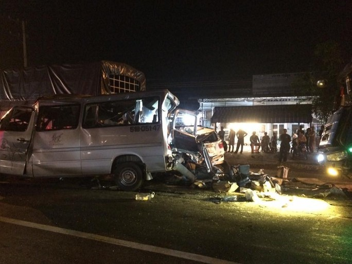 Thêm 1 vụ tai nạn kinh hoàng trên Quốc lộ 1, đoạn thuộc tỉnh Đồng Nai - Ảnh 3.