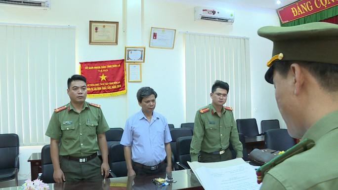 Khởi tố phó giám đốc Sở GD-ĐT Sơn La cùng 4 cán bộ vụ gian lận điểm thi - Ảnh 4.