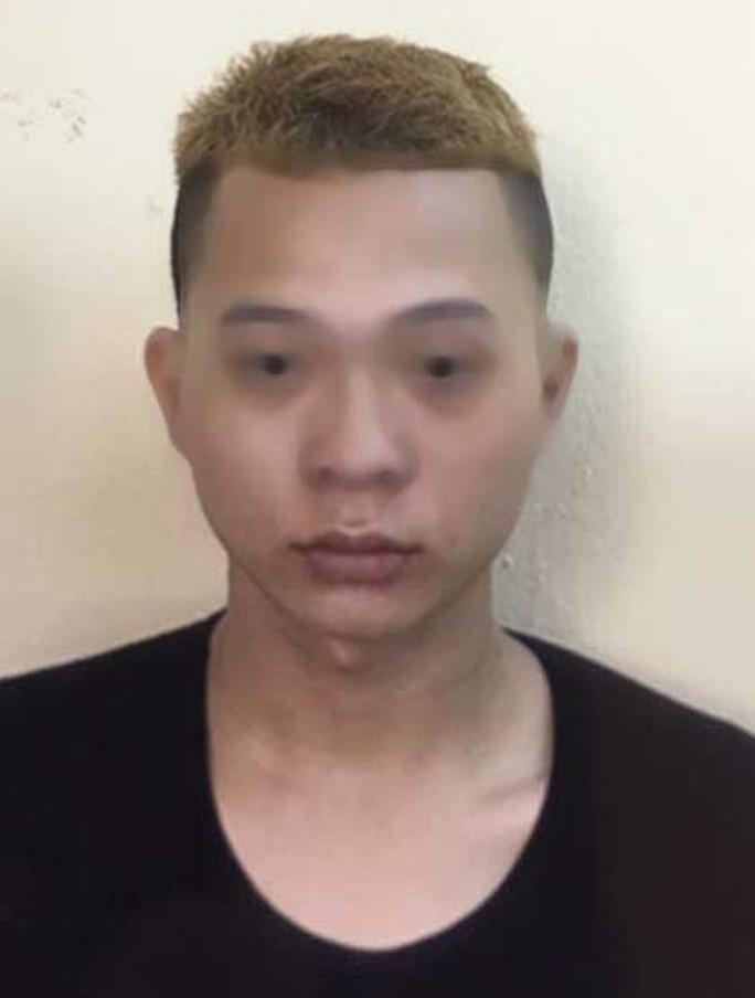 Tin lời nữ nhân viên quán karaoke, bị khởi tố tội hiếp dâm trẻ em - Ảnh 1.