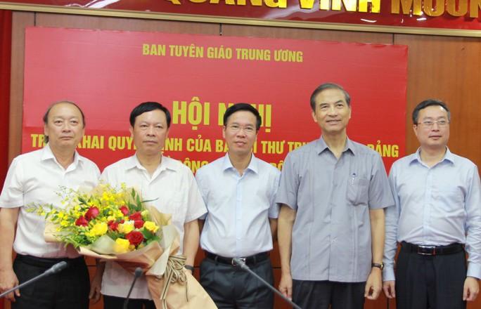 Ông Võ Văn Thưởng trao quyết định bổ nhiệm cán bộ của Ban Bí thư - Ảnh 2.