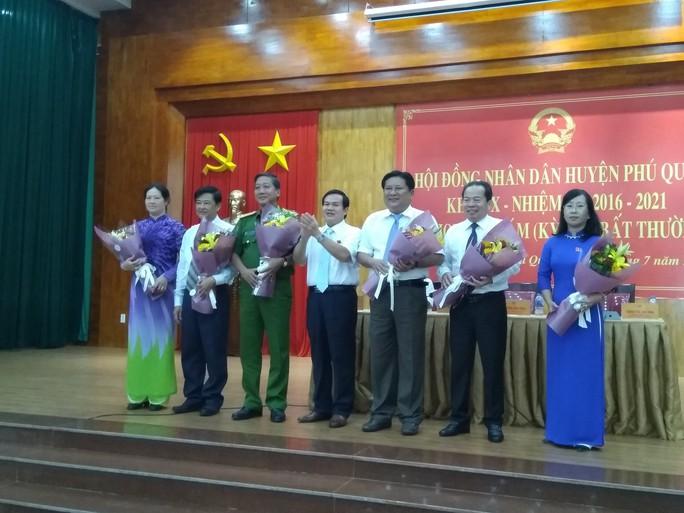Tân Bí thư huyện Phú Quốc được bầu làm chủ tịch huyện - Ảnh 1.