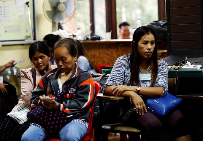 Người mắc kẹt hầm mỏ 69 ngày ở Chile mở lời về cuộc giải cứu ở Thái Lan - Ảnh 4.