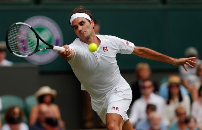 Phẫu thuật đầu gối, Federer nghỉ thi đấu hết năm 2020 - Ảnh 1.